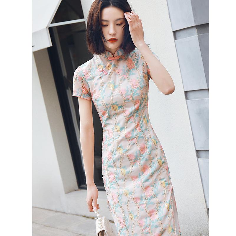 中国风绣花旗袍改良开衩中长款旗袍日常修身清新少女旗袍